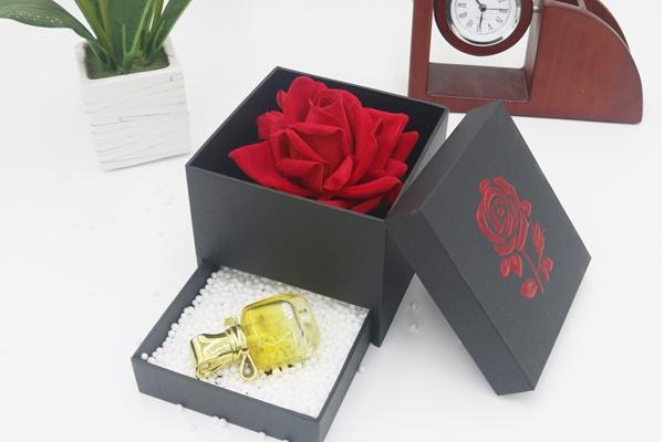 hộp đựng hoa son